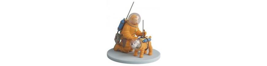 PVC figures w/ Cardboard Diorama