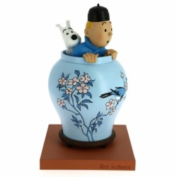 Tintin and Snowy in The Chinese Vase