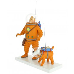 Tintin and Bobby on the ice (Moon series)