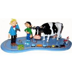 Fantasio avec Gaston, la vache et le train Èlectrique